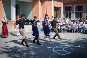 K1024_2. Παραδοσιακές στολές-χοροί (7)